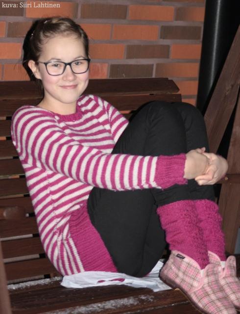 Fuksiasta Maijasta sai vielä sukat seuraavalle joululle. Sukkien ohje muokattu Novitan 7 veljestä -lehdestä.