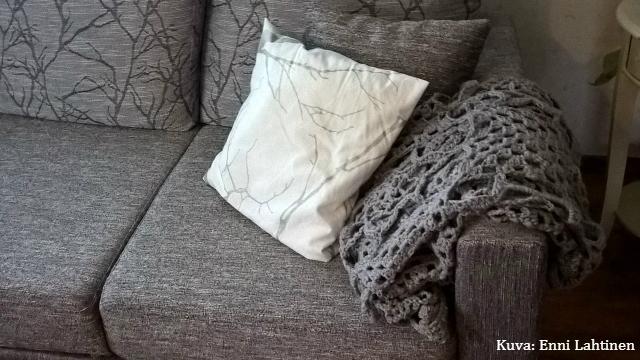 Ja vihdoin sohvalla kylmiä talvipäiviä odottamassa! :)