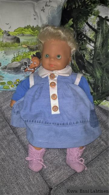 Mallina tietenkin Anne-nukke.
