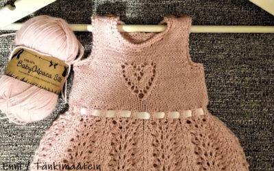 Vauvan pitsimekko Drops BabyAlpaca Silk -langasta